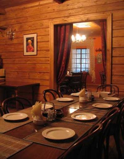 letzter abend in kasachstan ein stilvolles russisches themenrestaurant. Black Bedroom Furniture Sets. Home Design Ideas